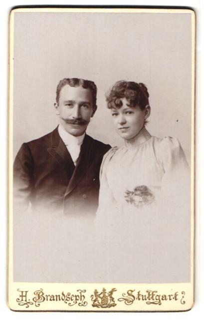 Fotografie H. Brandseph, Stuttgart, Portrait junges bürgerliches Paar