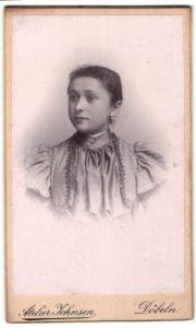 Fotografie Atelier Johnsen, Döbeln, Portrait Mädchen mit zusammengebundenem Haar