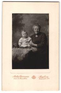 Fotografie Atelier Germania, Augsburg, Portrait Grossmutter und Kleinkind