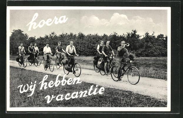 AK junge Männer auf Fahrrädern
