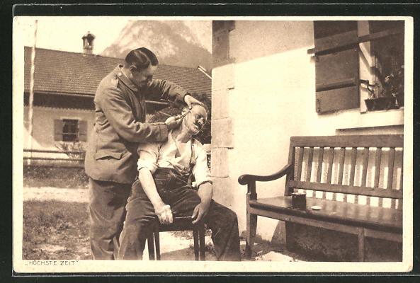 AK Friseur schneidet einem Mann die Koteletten