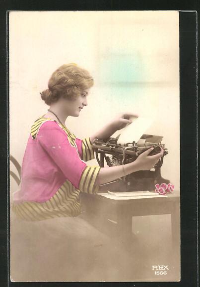 AK Junge Frau an der Schreibmaschine
