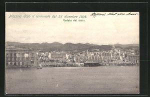 AK Messina, Erdbeben am 28.12.1908, Blick vom Meer auf die zerstörte Stadt