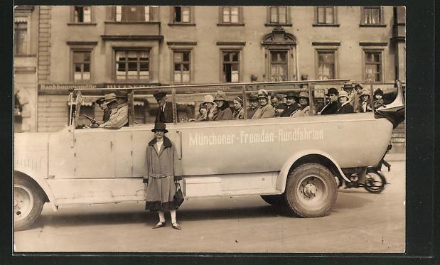 Foto-AK München, Bus für die Münchner-Fremden-Rundfahrten