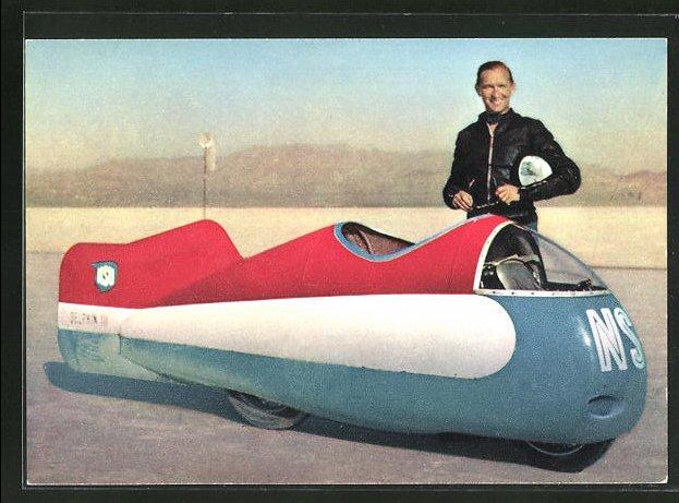 AK Rennfahrer Wilhelm Herz mit seinem vollverkleideten NSU-Motorrad vor seinem Weltrekordversuch auf dem Salzsee in Utah