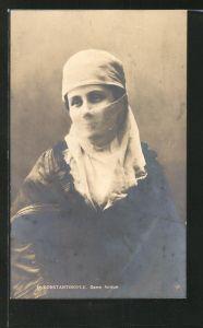 AK Constantinople, türkische Frau mit verhülltem Gesicht