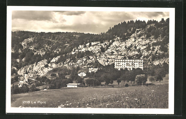 AK Le Pont, Landschaftsansicht mit Gebäuden