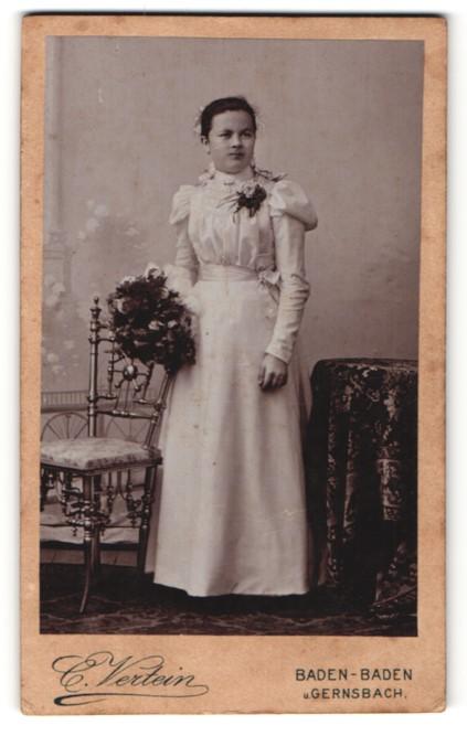 Fotografie C. Vertein, Baden-Baden & Gernsbach, Portrait Mädchen in festlicher Kleidung
