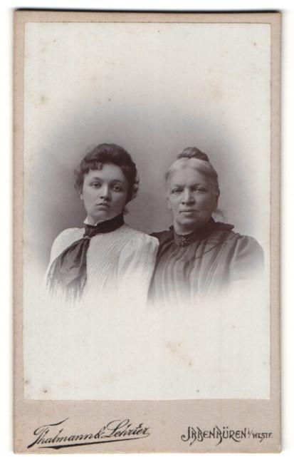 Fotografie Thalmann & Lehrter, Ibbenbüren, Portrait junge Frau und betagte Dame