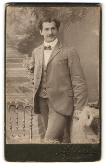 Fotografie J. Kleiber, Cannstatt, Portrait junger Herr mit zeitgenöss. Frisur