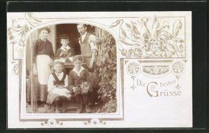 Foto-AK Familienportrait in Passepartout