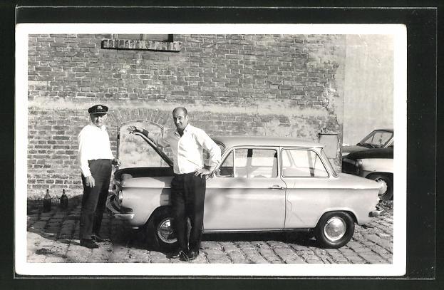 Foto-AK zwei Herren mit NSU-Prinz, Auto