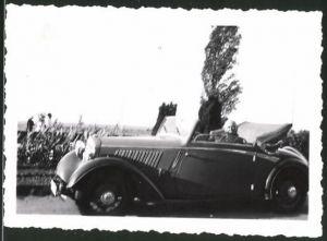 Fotografie Auto DKW Cabrio, betagter Mann im offenen PKW