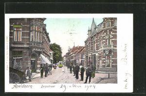 Goldfenster-AK Apeldoorn, Dorpstraat, Häuser mit leuchtenden Fenstern