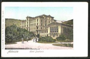 Goldfenster-AK Abbazia, Hotel Stephanie mit leuchtenden Fenstern
