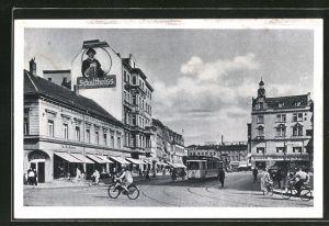 AK Berlin-Spandau, Marktplatz mit Strassenbahn, Reklame für Schultheiss Bier