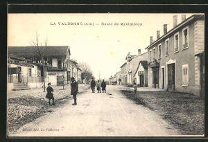 AK La Valbonne, Route de Meximieux