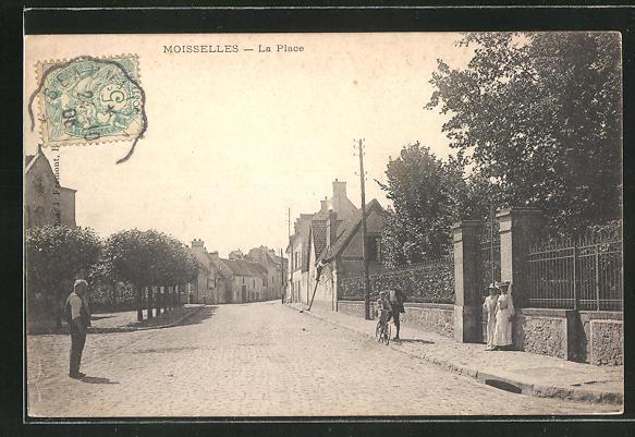 AK Moisselles, La Place, Strassenpartie im Ort
