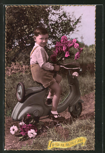 AK kleiner Junge auf seinem Vespa-Motorroller, Heureux Anniversaire
