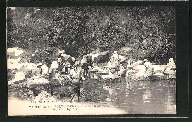 AK Fort-de-France / Martinique, Les lavandières / Waschfrauen am Fluss