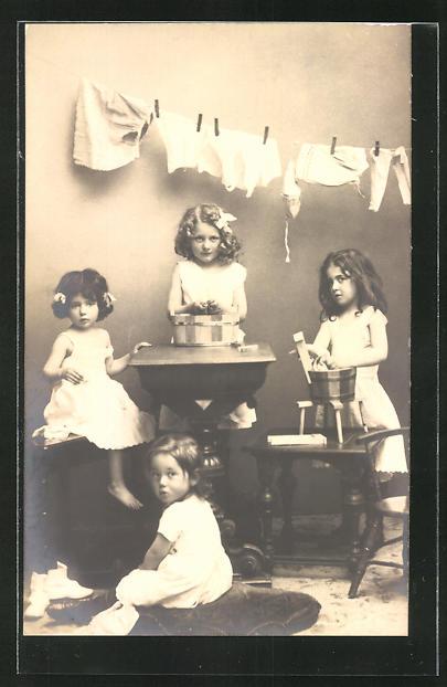 AK kleine Mädchen als Waschfrauen