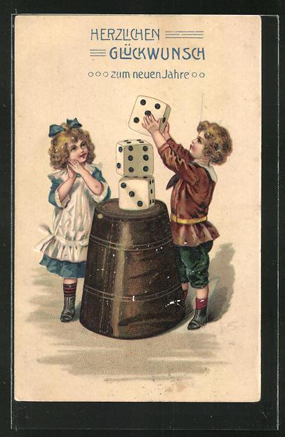AK Kinder spielen mit grossen Würfeln