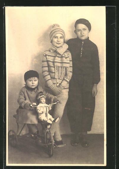 AK Kinder mit Dreirad und Puppe