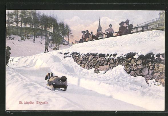 AK St. Moritz, Engadin, Mann rodelt mit dem Bauch auf einem Schlitten liegend einen Berg hinab