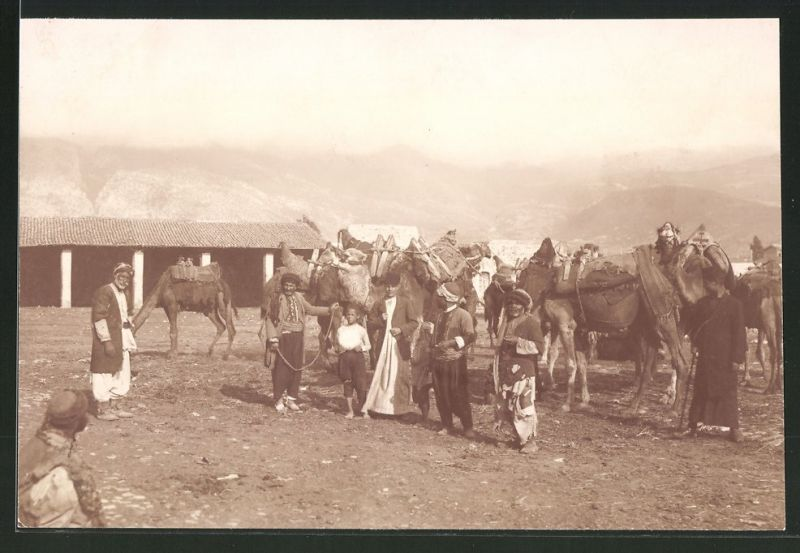 Fotografie 1.WK, Araber & Beduinen von Matrosen de S.M.S. Breslau in Messina aufgenommen