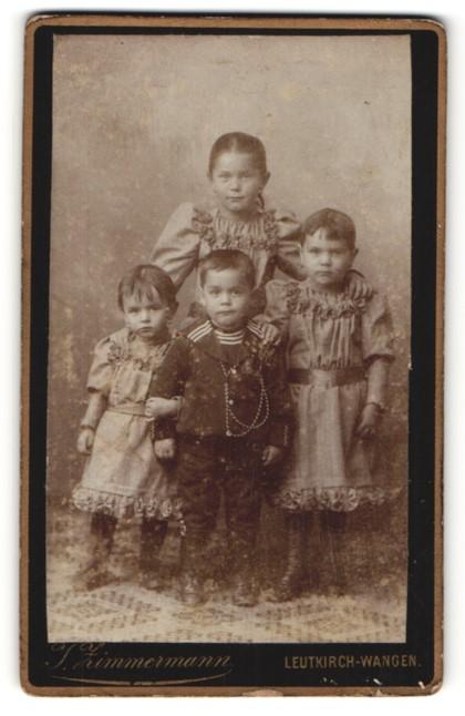 Fotografie J. Zimmermann, Leutkirch-Wangen, vier zuckersüsse Kinder in tollen Kleidern und Matrosenanzug