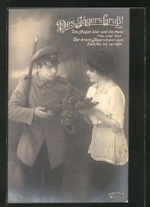 AK Jägersgruss, junges Mädchen bekommt vom Geliebten ein Blumenstrauss, Soldatenliebe