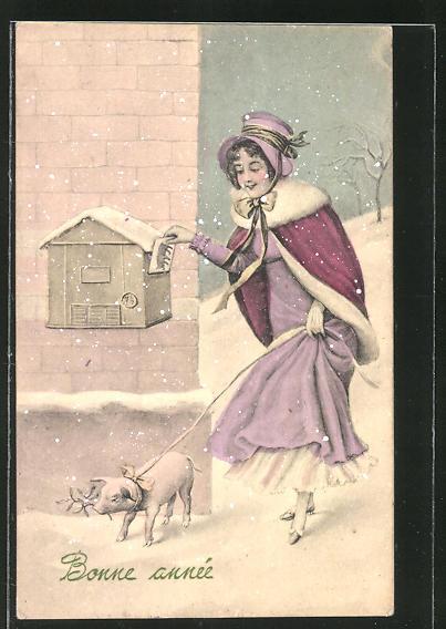 AK Junge Frau mit einem Schwein steckt Brief in einen Postkasten