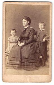 Fotografie Peter Rissel, Duisburg, Mutter mit ihren Kindern
