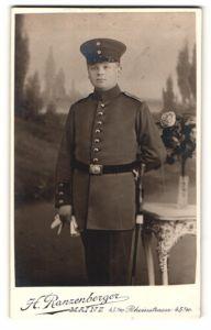 Fotografie H. Ranzenberger, Mainz, Portrait Soldat in Uniform mit Mütze
