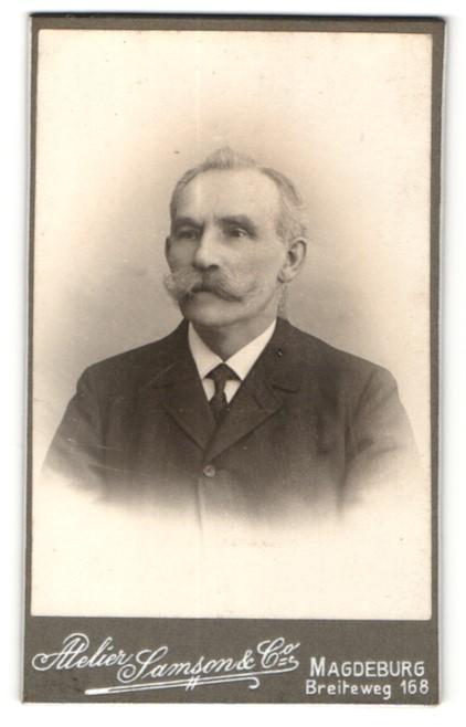 Fotografie Samson, Magdeburg, Älterer Herr mit Schnurrbart