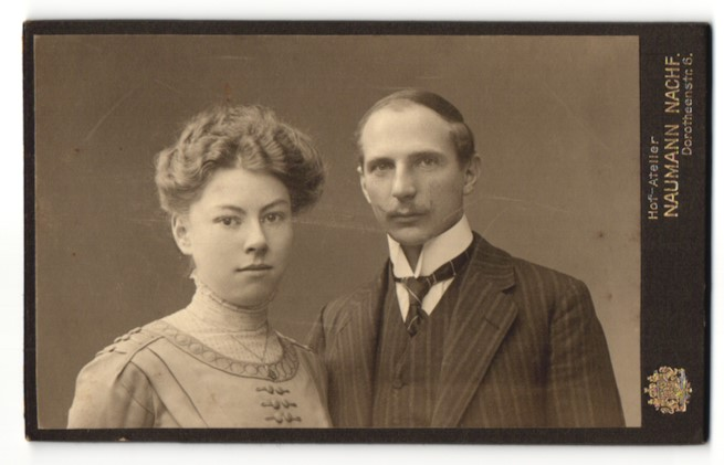 Fotografie Naumann Nachf., Leipzig, Portrait junges bürgerliches Paar