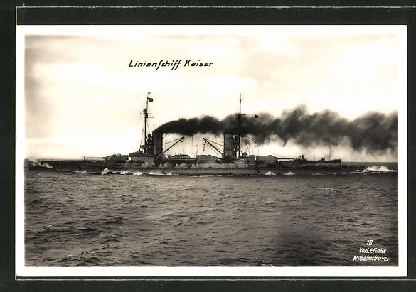 AK Kriegsschiff Kaiser in voller Fahrt