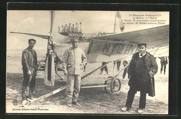 AK Le Monoplan Antoinette IV. Le Monteur et l'Hélice á droite: M. Levavasseur, Constructeur au milieu: M. Hubert Latham 0
