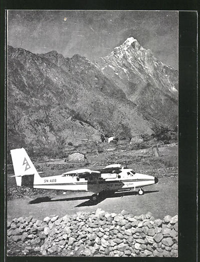 AK Flugzeug der Royal Nepal Airlines 0
