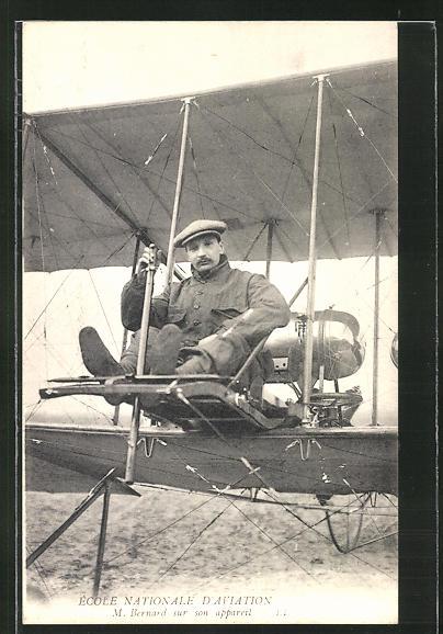 AK Flugzeug-Pionier M. Bernard auf seinem Flugapparat