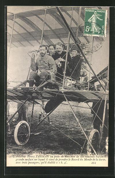 AK Flugzeug-Pionier Henry Farman in seinem Fluggerät