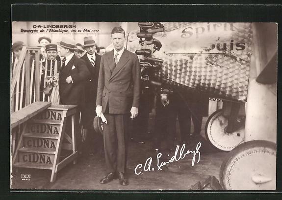 AK Atlantik-Überquerer C. A. Lindbergh vor seinem Flugzeug, Mai 1927