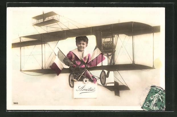 AK Knabe in einem frühen Flugzeug