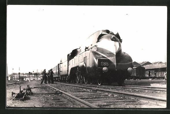 AK Lokomotive Nr. 088 und Waggons im Bahnhof 0