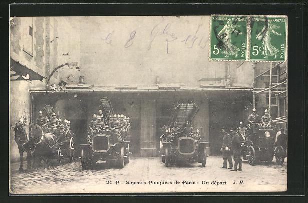 AK Paris, Feuerwehrleute auf ihren Fahrzeugen