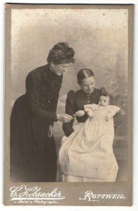 Fotografie C. Hebsacker, Rottweil, Portrait Säugling mit Mutter und Grossmutter