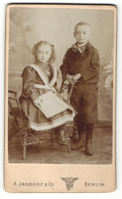 Fotografie A. Jandorf & Co., Berlin, Portrait Bruder und Schwester