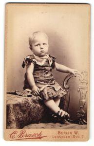 Fotografie C. Brasch, Berlin-W, Portrait blondes Kleinkind
