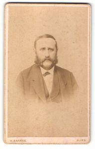 Fotografie H. Sachse, Burg, Portrait Mann mit Backenbart