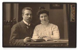 Fotografie F. Radmacher, Bielefeld, Portrait junges bürgerliches Paar